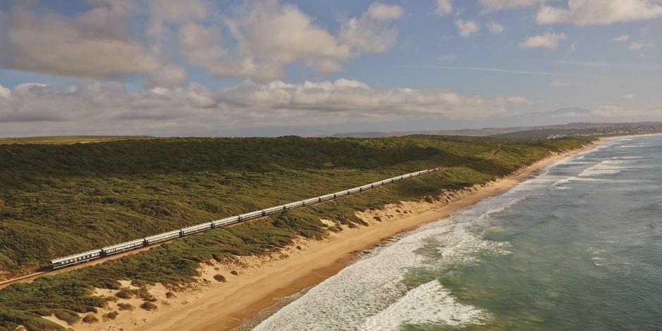 Train Shongololo en bord de mer